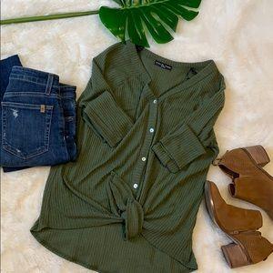 Kim & cami green button & knot knit sweater M